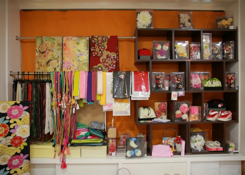 着物用の装飾品も多数ご用意しております。